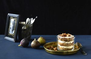 Tiramisu with fruit bread, pear and fig. Picture; Lubera